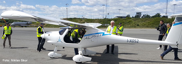 Sveriges första elflygplan på Bromma flygplats